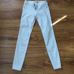 A & F white stretch jeans size 2.   26 x 29